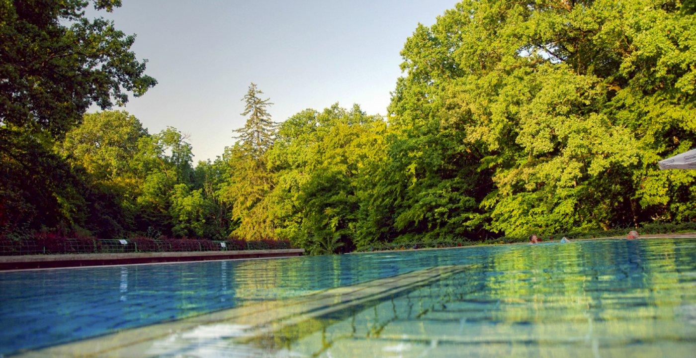 Schwimmbäder mit Thermalwasser